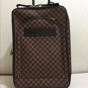 Authentic louis vuitton pegase 55 carryon suitcase